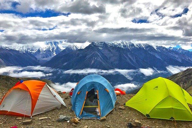 Neljän hengen teltta