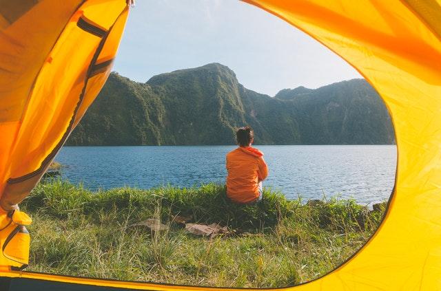 kolmen vuodenajan makuupussi telttaan